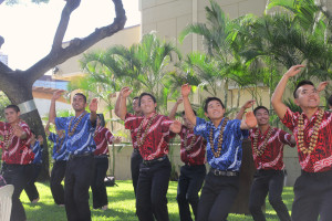 'Iolani hulu dancers performed at a reception.
